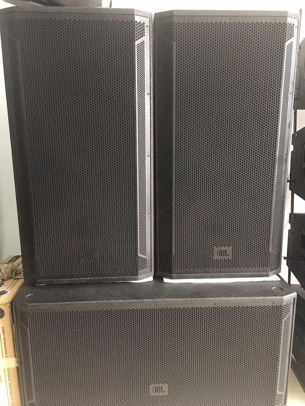 Loa JBL STX 828 trong dàn âm thanh sân khấu