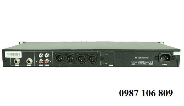 Mặt sau vang số Tripath Siso VS350